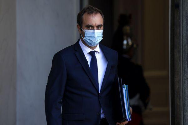 """Sébastien Lecornu est visé par une enquête préliminaire pour """"prise illégale d'intérêts"""" lors de sa présidence du conseil départemental de l'Eure."""