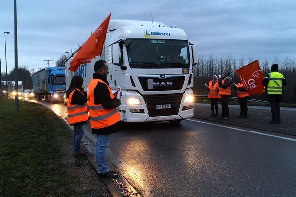 Une vingtaine de salariés des métiers de la route étaient mobilisés