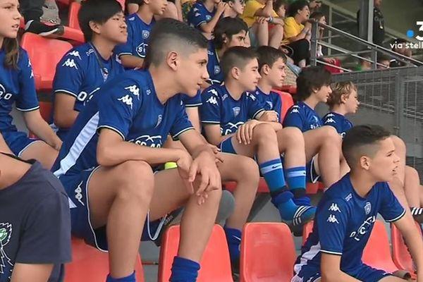 Les bastiais attendent en tribune le moment de se mesurer aux autres équipes, venues de Corse, du continent, mais également de Sardaigne ou d'Angleterre.
