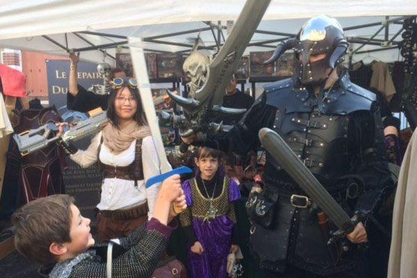ambiance médiéval fantastique ce week-end dans les rues de Merville-Franceville avec le festival Cidre et dragon
