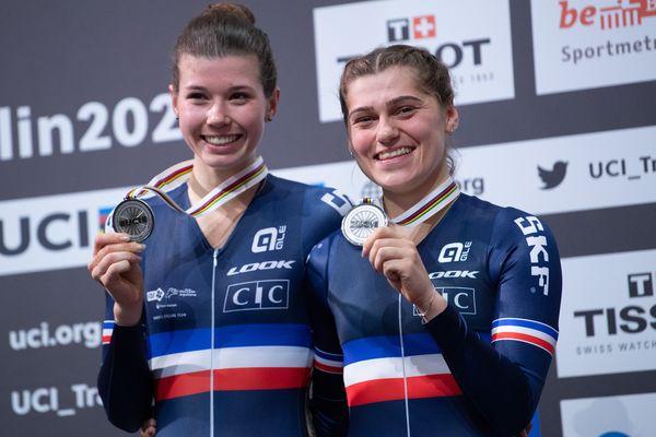 Clara Copponi et Marie Lenet, médaillées d'argent aux mondiaux de cyclisme sur piste en 2020.