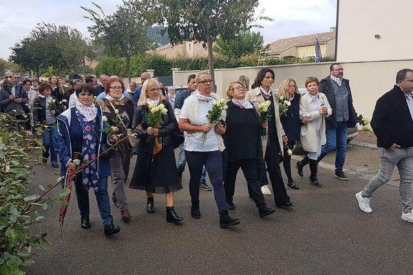Un an après un terrible incendie en Guadeloupe qui décimé 6 personnes de la même famille, une marche blanche a eu lieu en leur mémoire dans leur village d'origine, à Calvisson dans le Gard.