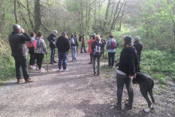 Les proches de Delphine Jubillar effectuent des recherches aux abords de la commune de Cagnac-les-mines dans le Tarn.