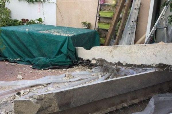 C'est au 25 avenue Emmanuel Rouquier à Grasse que deux tonnes de béton se sont effondrées sur la terrasse d'un couple de retraités