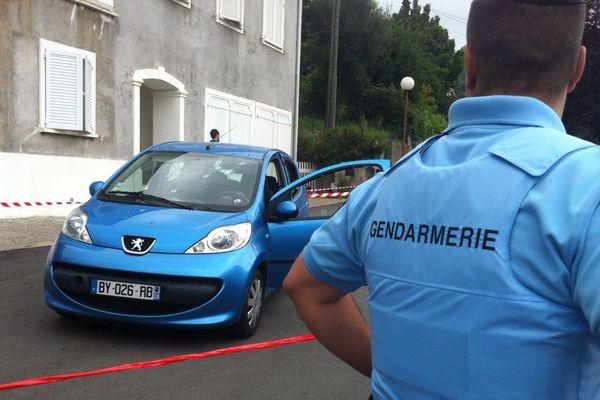 Les lieux de la tentative d'assassinat sécurisés par les forces de gendarmerie.