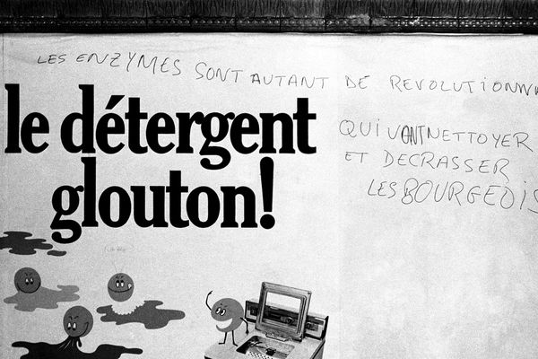 Une publicité griffonnée en mai 1968.