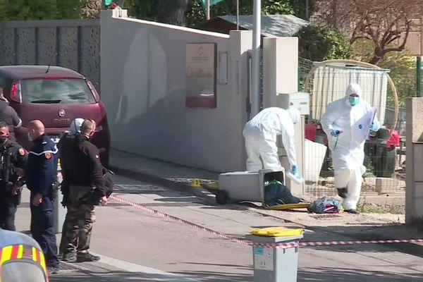 Quartier bouclé et gendarmerie scientifique sur place pour enquêter sur cette double mort rue du Baptistou à St Gély du Fesc (Hérault)