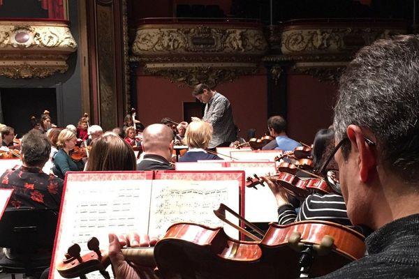 """Répétition publique d'""""Une soirée française"""" de l'orchestre de l'Opéra national de Lorraine, salle Poirel à Nancy."""