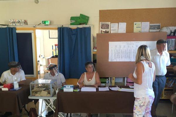 Jour de vote au Luc dans le Var.