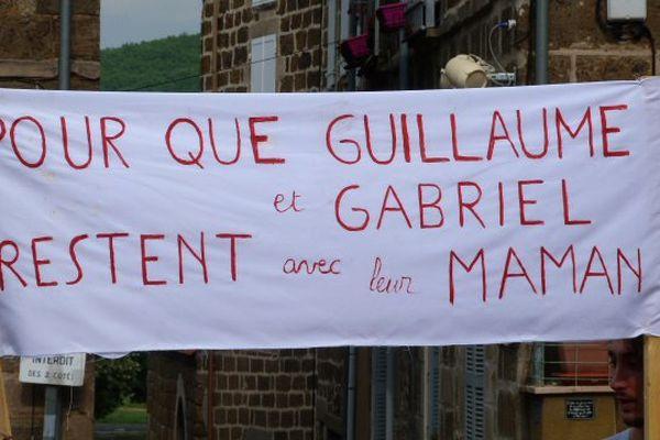 Dernier rassemblement de soutien pour Aude Torrent et les jumeaux.
