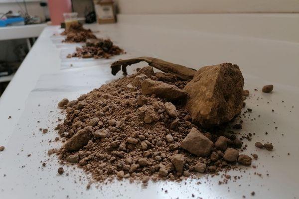 Une entreprise à Veyre-Monton (Puy-de-Dôme) a élaboré un processus de tri, de lavage et de réutilisation du sable destiné aux chantiers de BTP.