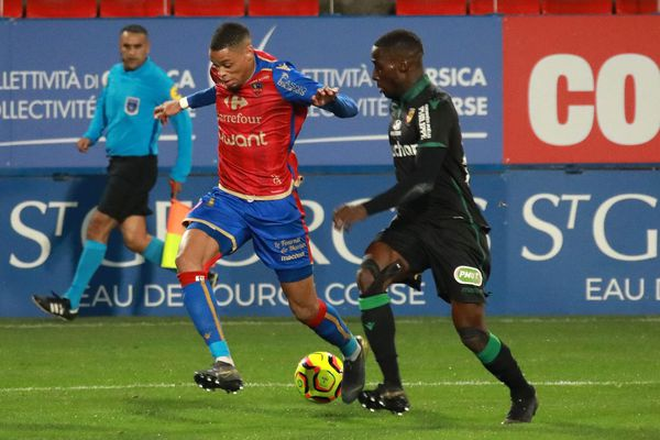 Le 18 mars dernier, les gaziers l'emportaient 1 à 0 face à Lens. Depuis, ils ont remporté une seule autre victoire, contre l'ACA lors du derby, le 5 avril (1-0).