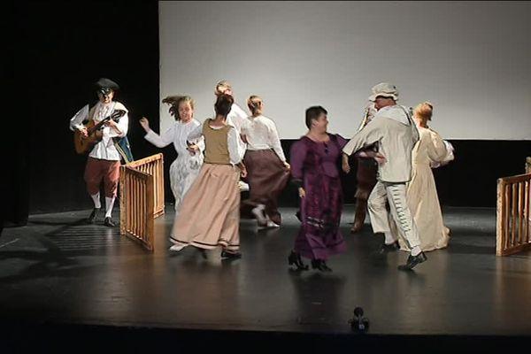 Danses, chants et scènes de combat : du grand spectacle...