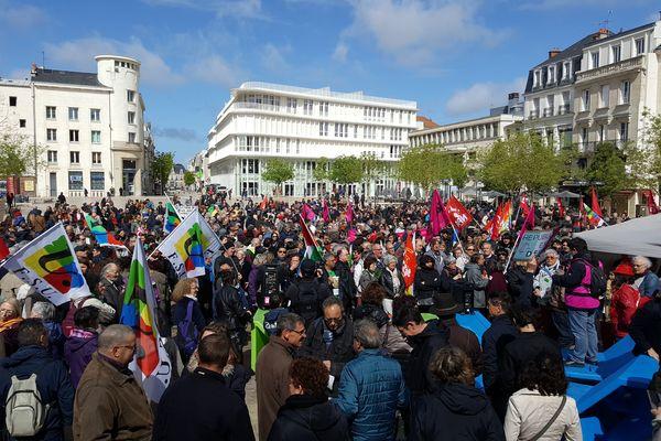 Un cortège d'un millier de personnes environ à Poitiers pour ce 1er mai.