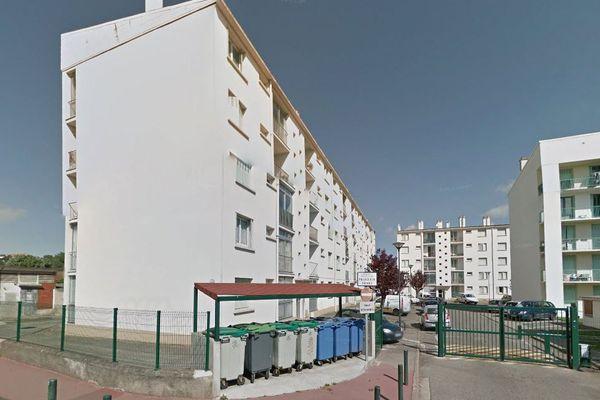 L'enfant est tombé d'un balcon de cette cité de l'avenue Jean-Chaubet