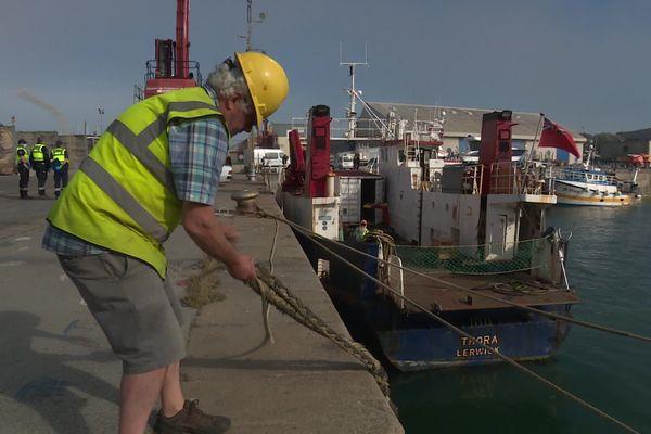 Le Thora, un petit cargo de 26 mètres est l'unique bateau qui assure encore le transport de passagers entre Jersey et le continent
