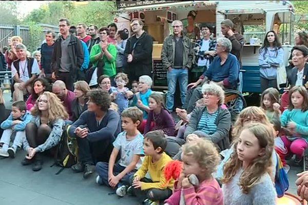 Dès 18h, le public a commencé à se rassembler