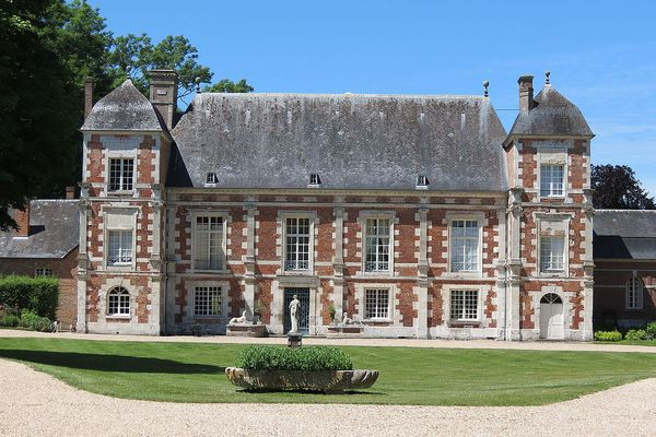 Dans l'Eure, vers Radepont dans le Vexin, le château de Bonnemare retrouvera un ensoleillement généreux en seconde partie d'après-midi.