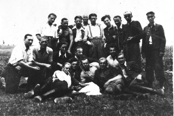 Joseph Drozniak et ses camarades résistants polonais