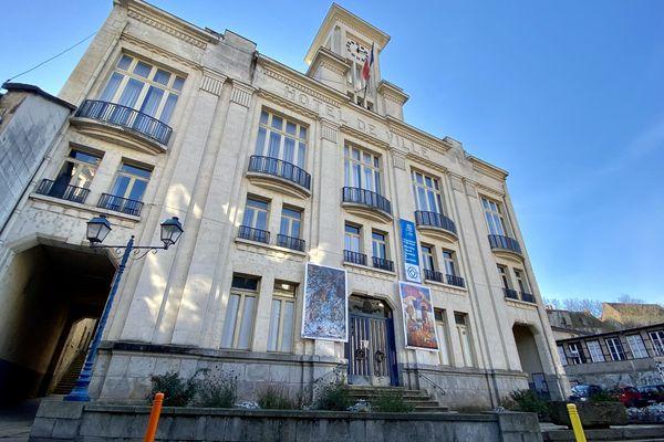 Mairie d'Aubusson (Creuse)