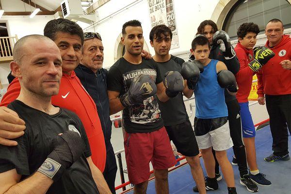 Thomas Barbier (au premier plan) et 8 boxeurs amateurs vont participer à des combats lors de la finale de championnat de France des super-coqs le 7 décembre, salle Jean Lenoir à Argentan