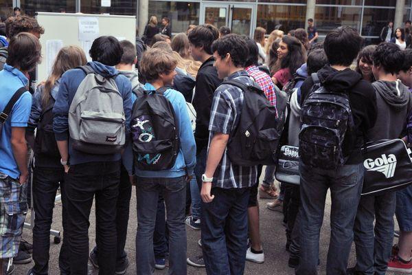 Des élèves au collège Gabriel Guist'hau à Nantes (illustration)