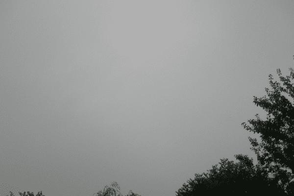La couleur du ciel ce jeudi 16 juillet à 7h31 dans le Nord