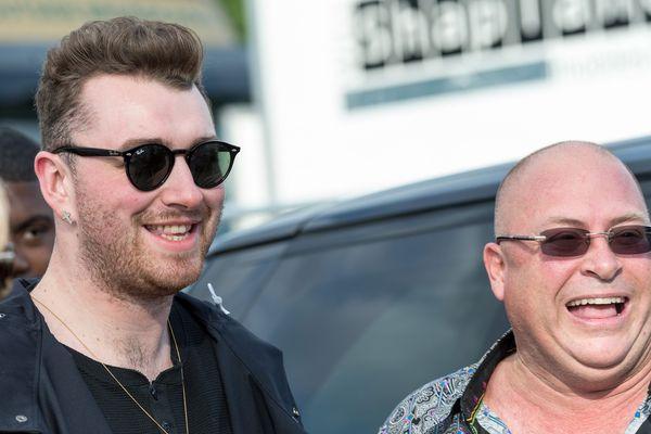 Sam Smith (à gauche) avait du se contenter de rester en coulisses, il y a deux semaines, lors du festival BST Hyde Park à Londres.