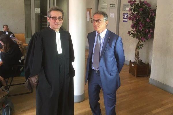 Guy Novès et son avocat Me Nougarolis, au conseil des Prud'hommes de Toulouse, le 22 mai 2018.