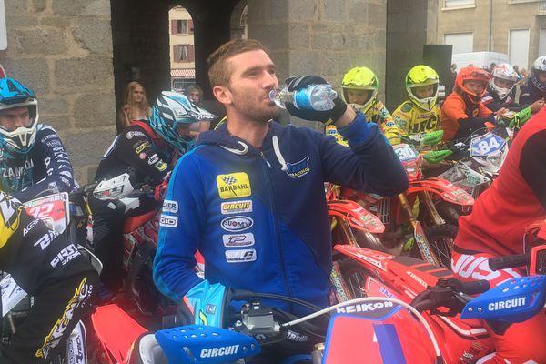 Le pilote français Loïc Larrieu (TM) a remporté samedi 28 septembre la première manche de la finale du championnat du monde d'Enduro.