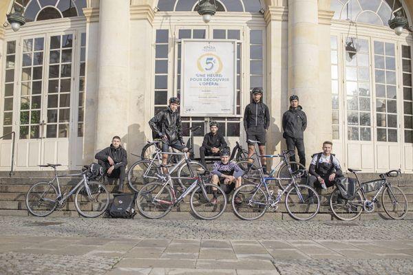 De gauche à droite des membres des coursiers rennais, Arnaud, Thomas, Quentin, Hugo, Tin, Romain, Johann