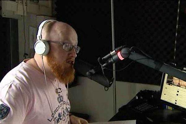 Guillaume Audru est romancier mais aussi animateur radio.