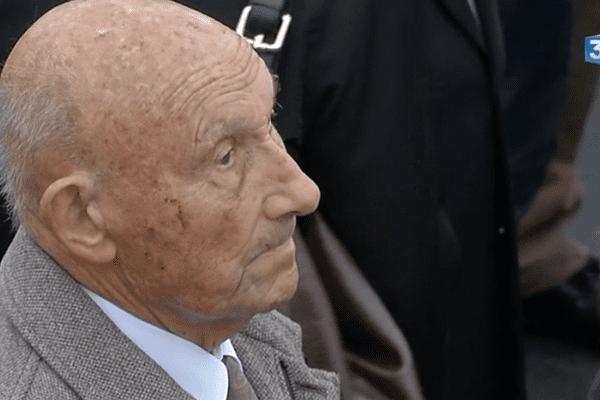 Le résistant Louis Tardivel lors des commémoration du 11 novembre, en 2015.
