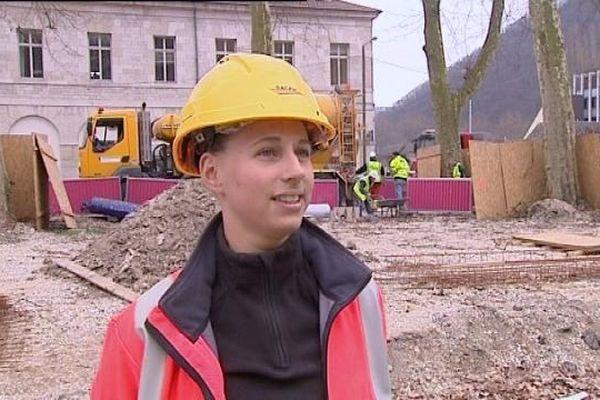 Amandine est chef de travaux sur le chantier du Tram à Besançon