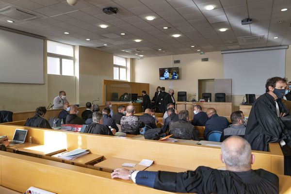 18 policiers étaient jugés au tribunal correctionnel de Marseille dans l'affaire dite de la Bac nord.