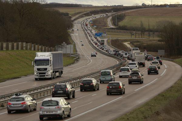 Trafic dense sur l'autoroute A6