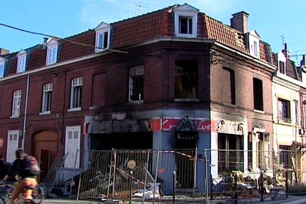 A Saint-André ce jeudi. La boulangerie incendiée.