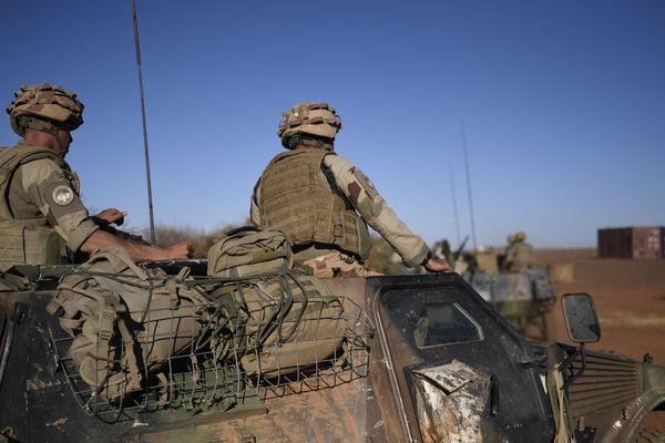 Un soldat français du 6e régiment du génie d'Angers a trouvé la mort près d'Hombori, au sud-est du Mali.
