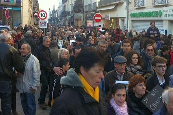 Sète (Hérault) - le cortège dans les rues étroites du centre ville - 11 janvier 2015