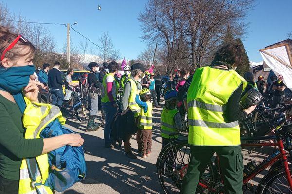 """Environ 150 vélos réunis pour la """"vélorution"""" du 20 février en Isère"""
