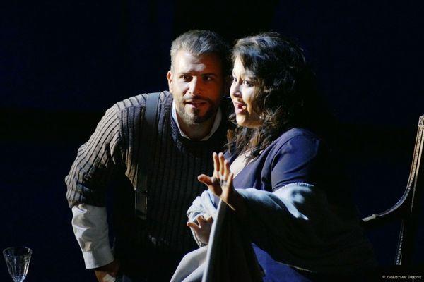 Ce sera la première fois que la soprano Angélique Boudeville et le ténor Enea Scala interpréteront respectivement les rôles mythiques de Mimi et Rodolfo.