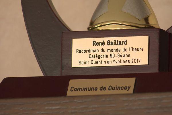 Depuis 2017, René Gaillard est déjà détenteur du record du monde de l'heure, dans la catégorie 90-94 ans.