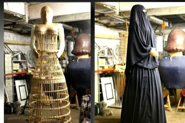 La géante, Miss Burqa, en cours de fabrication dans un atelier lillois.