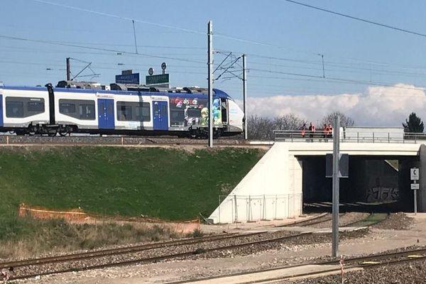 Le TER qui a percuté des agents SNCF est immobilisé, mercredi 18 mars 20250