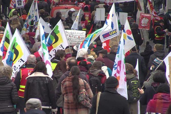 La manifestation contre la réforme des retraites, samedi 7 décembre, a rassemblé 380 personnes à Chambéry selon la police