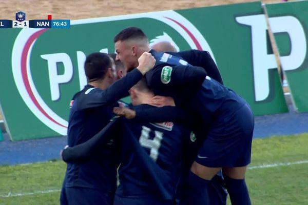 La joie des footballeure l'ASM Belfort qui se qualifient pour les 8e de finale de la coupe de France de football.