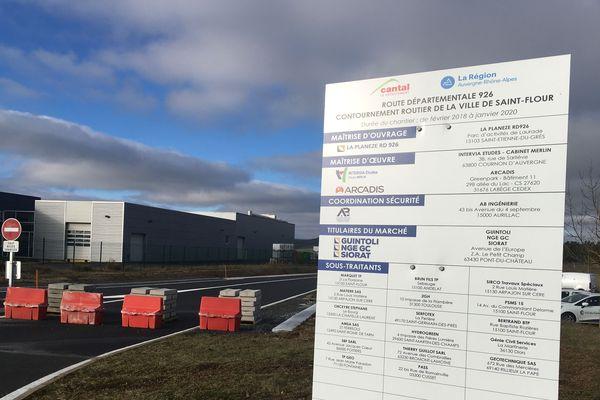 Après 20 ans de discussions, le contournement routier de la ville de Saint-Flour, dans le Cantal, sera opérationnel dans la semaine du 6 janvier. Les travaux sont terminés. Un soulagement pour les Cantaliens et les élus locaux.