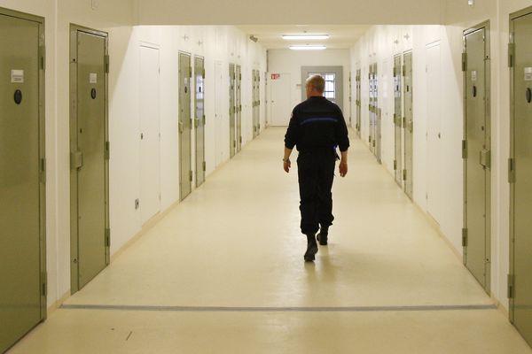 Photographie prise à l'intérieur de la prison de Béziers, dans l'Hérault.