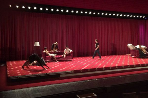 Répétition sur la scène de la salle Jean Vilar