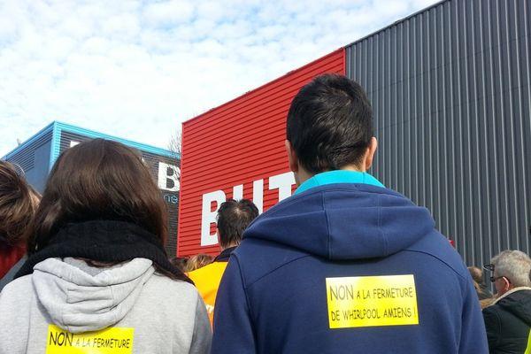 Nouvelle manifestation des salariés Whirlpool contre la fermeture